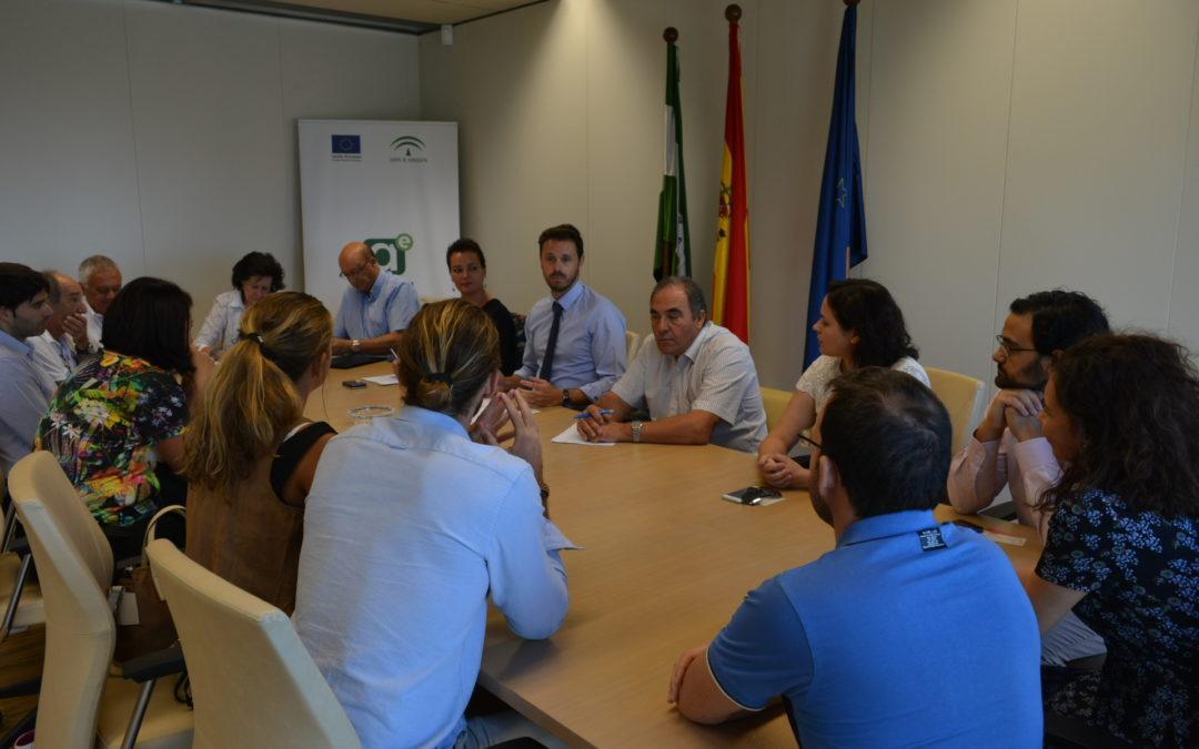 La Junta facilita que ex directivos asesoren a empresas de Granada para que optimicen su actividad productiva