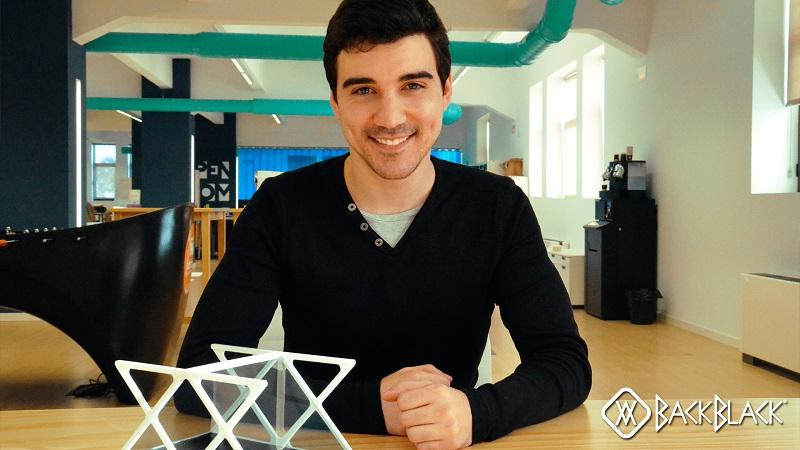 BackBlack, un nuevo proyector de hologramas tamaño bolsillo