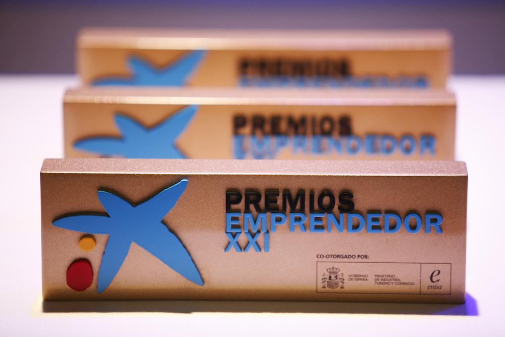 Enisa y Caixabank abren una nueva convocatoria de los Premios EmprendedorXXI